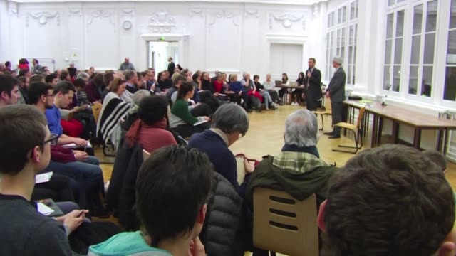 In Strasbourg local LREM politician Thierry Michels organised a public meeting on Monday evening as part of the great national debate organised by...