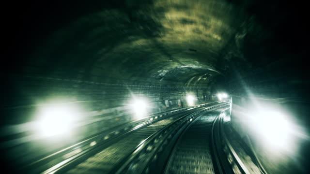 vídeos de stock, filmes e b-roll de in the driver's seat - trem do metrô