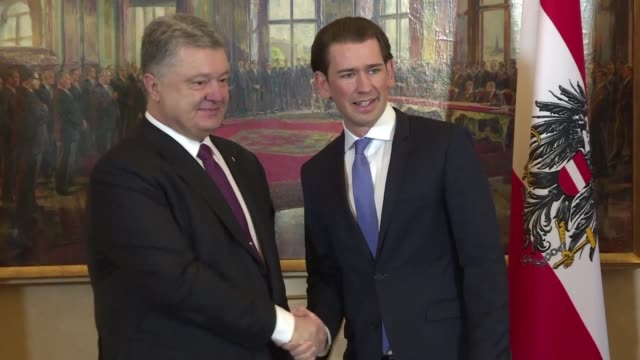 In the frame of the opera ball where he will be state guest of Austrian President Van der Bellen Ukrainian President Petro Porochenko met the...