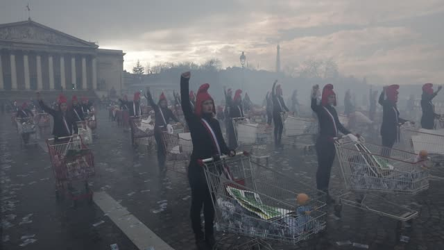 in the framework of women s day, a hundred members of the conservative activist group called manif pour tous dressed as marianne, french republic s... - internationaler frauentag stock-videos und b-roll-filmmaterial