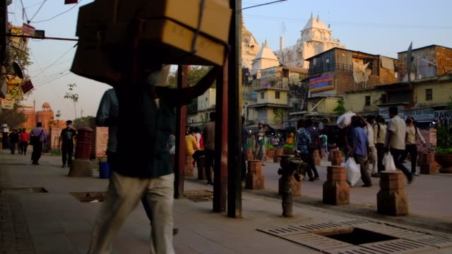 in the heart of old delhi, chandni chowk is a busy shopping area with markets full of spices, dried fruit, silver jewelry and vivid saris, while the... - spice stock videos & royalty-free footage