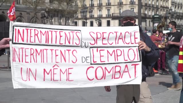 FRA: Entertainment sector rallies in Paris against reforms to payouts