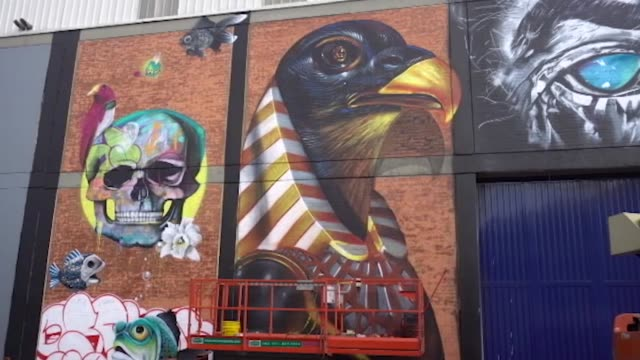 stockvideo's en b-roll-footage met in the puente aranda neighborhood in bogotá, the second graffiti district version was made, with the collaboration of national and international... - puente