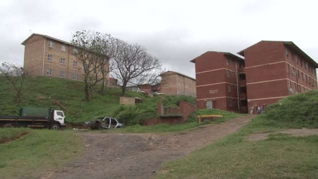 vídeos y material grabado en eventos de stock de in the south african province of kwazulu natal local politics is a deadly game with at least 40 people killed in politically motivated shootings... - kwazulu natal