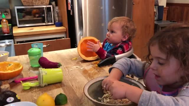 stockvideo's en b-roll-footage met in the spirit of halloween, https://www.youtube.com/channel/uczgiddkdphj0gfved82wfyq family vlogger david freiheit decided to cook a rather... - https