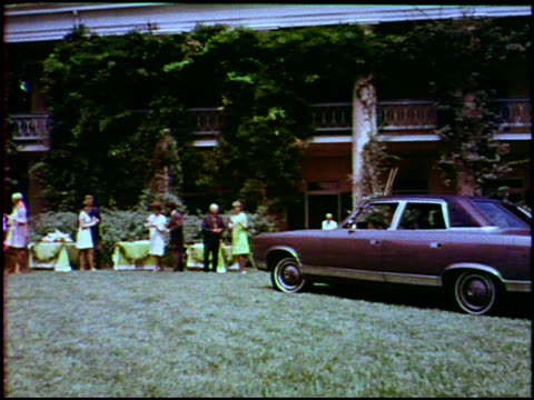 vidéos et rushes de in the tradition of elegance in the spirit of luxury is your ambassador sst 4door sedan says the voiceover in this 1969 amc promotional video this... - 1960 1969