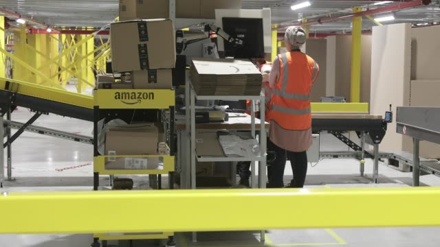 inauguration of a distribution center of amazon on october 22 2019 in bretigny france this new site is the largest logistics center in iledefrance... - annuncio economico video stock e b–roll