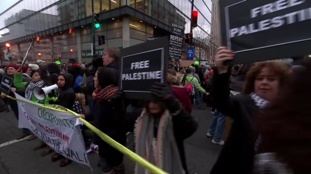 stockvideo's en b-roll-footage met trump supporters and protesters gather usa washington dc people arriving early to attend the inauguration of donald trump as the 45th president of... - christendom