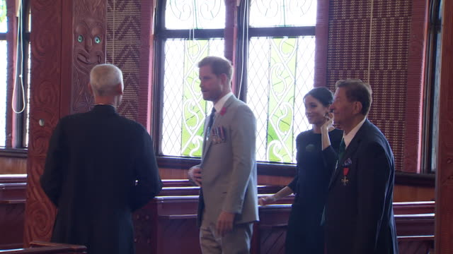 vídeos de stock, filmes e b-roll de including royal couple on tour through st faith's anglican church in ohinemutu - anglicano