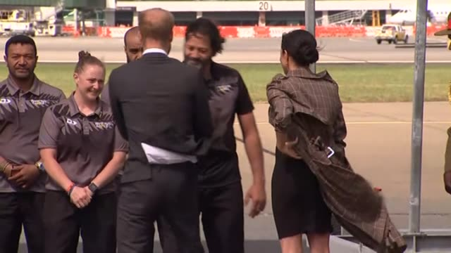 Including the Royal couple hongi with Victoria Cross recipient Willie Apiata and pose for photograph with members of the New Zealand Invictus Games...