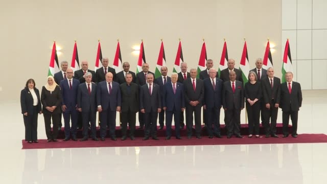 stockvideo's en b-roll-footage met incoming palestinian prime minister mohammad shtayyeh announced his new cabinet saturday alongside president mahmud abbas - minister president