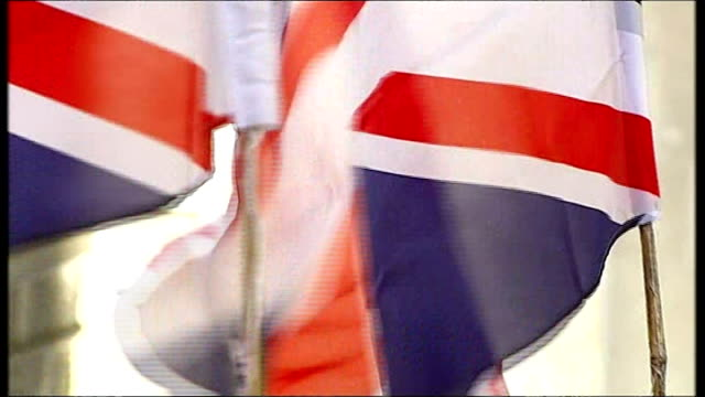 Increased support for the death penalty in London following Paris attacks T26021419 / R26021411 Protesters with Union flags outside Lee Rigby murder...