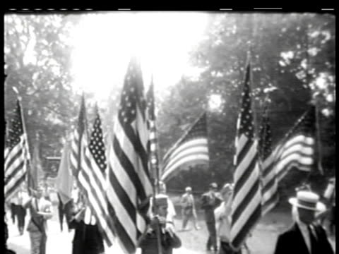 vídeos de stock e filmes b-roll de independence day parade on july 05 1949 in new york new york - 1949