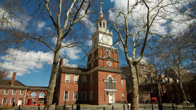t/l independence hall in philadelphia with clouds - philadelphia pennsylvania stock videos & royalty-free footage