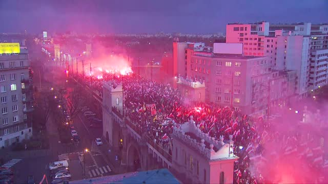 independence march in warsaw - protestor stock videos & royalty-free footage
