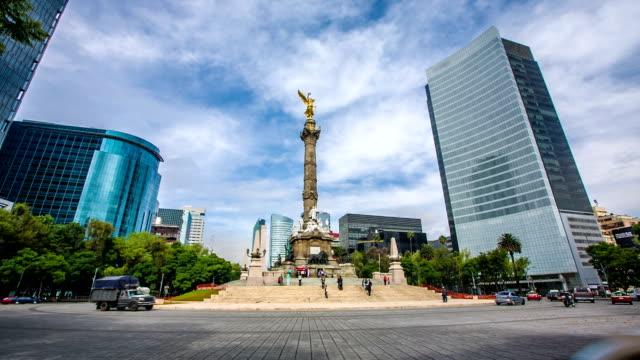 vídeos de stock, filmes e b-roll de monumento à independência da cidade do méxico - monumento da independência paseo de la reforma