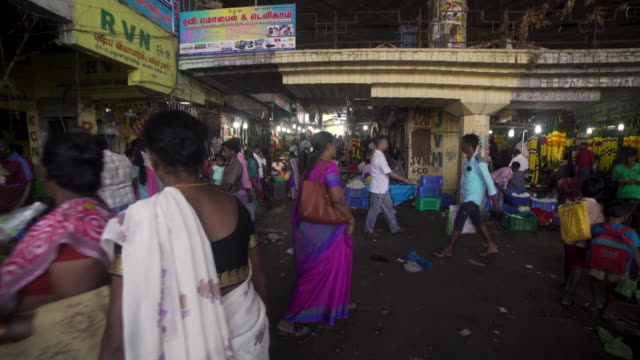 india flower market steadicam shot - chennai stock videos & royalty-free footage