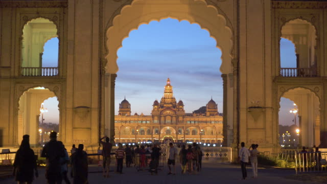 stockvideo's en b-roll-footage met india, karnataka, mysore, city palace, main entrance gateway to the maharaja's palace - monument