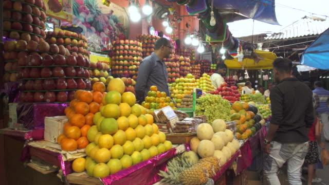 india, karnataka, mysore, devaraja flower market, fruit and vegetable stalls - fruit stock videos & royalty-free footage