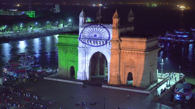 india, mumbai, maharashtra, the gateway of india, monument commemorating the landing of king george v and queen mary in 1911 - accessibility stock videos & royalty-free footage