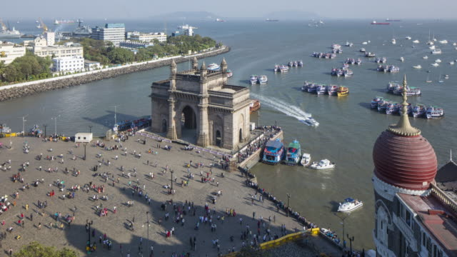india, mumbai, maharashtra, the gateway of india, monument commemorating the landing of king george v and queen mary in 1911 - day to night time lapse - gate stock videos & royalty-free footage