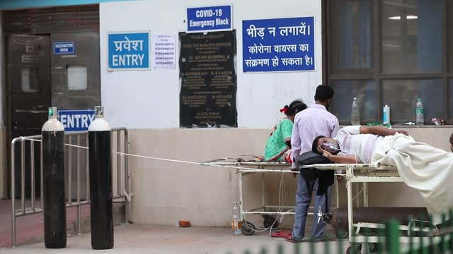india registered fresh all-time highs friday for coronavirus cases and deaths in the past 24 hours, according to health ministry data. it marked the... - india bildbanksvideor och videomaterial från bakom kulisserna