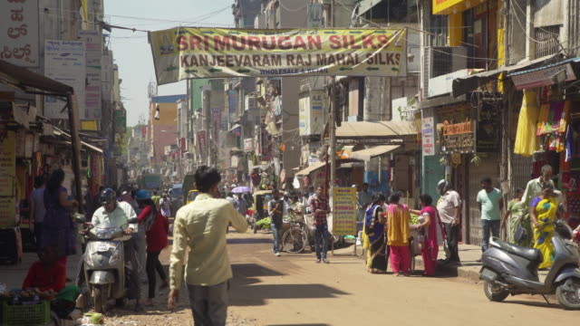 vidéos et rushes de india street city lifestyle - inde