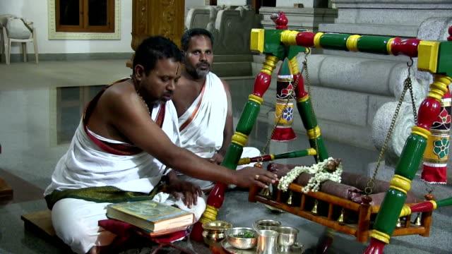 india, tamil nadu, balacola, chamraj, evening religious ceremony (puja) - hinduism stock videos & royalty-free footage