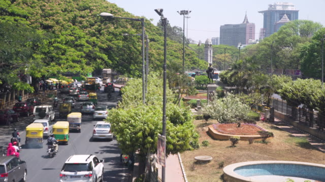 india traffic high angle point of view, bangalore skyline - newly industrialized country stock videos and b-roll footage