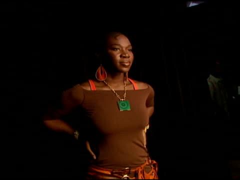 indiaarie at the 2006 bet awards portrait studio at the shrine auditorium in los angeles, california on june 27, 2006. - black entertainment television bildbanksvideor och videomaterial från bakom kulisserna