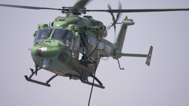 indian army helicopter stock footage - 国防省点の映像素材/bロール