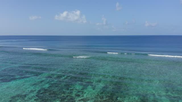 indian ocean, anse source d'argent, la digue, seychelles - indian ocean stock videos & royalty-free footage