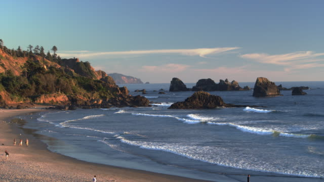 stockvideo's en b-roll-footage met indian point volcanic rocks at sunset medium - oregon coast