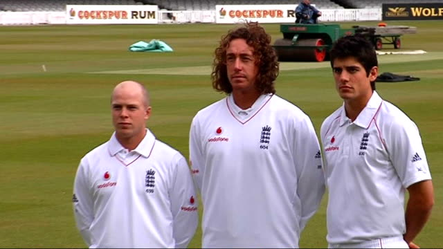 indian premier league launched england cricket players tim ambrose ryan sidebottom and alastair cook modelling the new england test kit at press... - クリケット点の映像素材/bロール