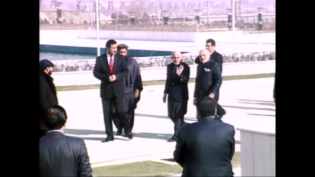 stockvideo's en b-roll-footage met indian prime minister narendra modi meets afghan president ashraf ghani at the presidential palace in kabul afghanistan on december 25 2015 then modi... - minister president