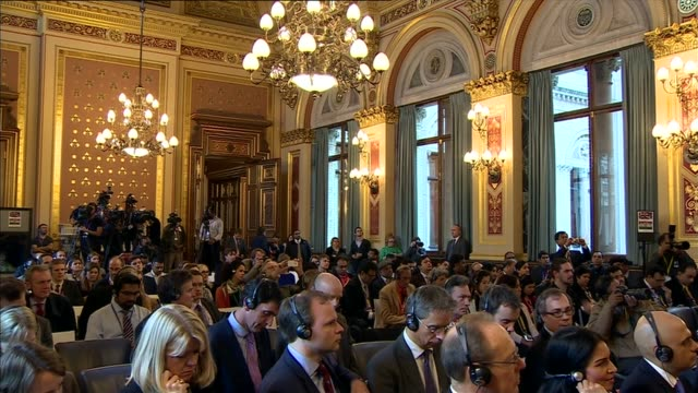 indian prime minister narendra modi visit guard of honour sloping arms number 10 int cameron and modi to podiums for press conference press gathered... - number of people stock videos & royalty-free footage