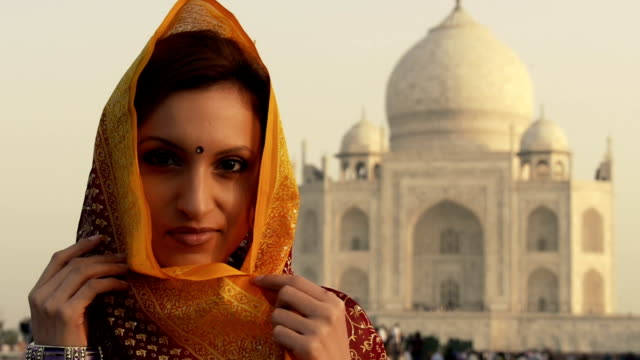 indian woman at taj mahal - tourist stock videos & royalty-free footage