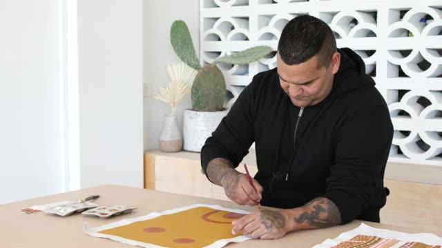 indigenous aboriginal australian artist - minority groups stock videos & royalty-free footage
