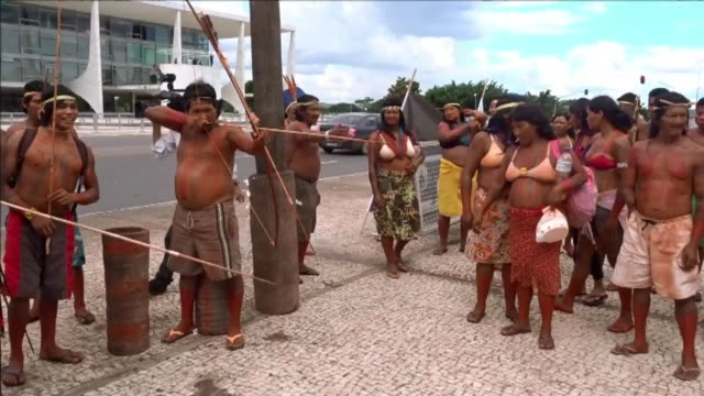 stockvideo's en b-roll-footage met indigenous people from the tocantins state in brazil protested on thursday in the capital brasilia to ask for more protection of their rights and... - politiek en staatsbestuur