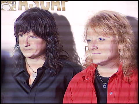 vidéos et rushes de indigio girls at the ascap pop music awards at the beverly hilton in beverly hills california on may 16 2005 - ascap