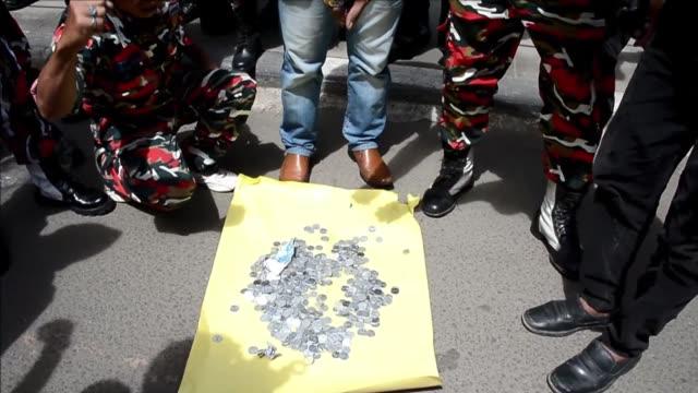 stockvideo's en b-roll-footage met indonesia rechazo este jueves la propuesta de australia de intercambiar presos para evitar la inminente ejecucion de dos narcotraficantes... - vermijden