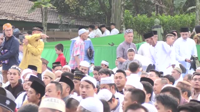 indonesian president joko widodo arrives to perform eid alfitr prayer at bogor botanical garden near presidential palace in bogor west java indonesia... - indonesia stock videos & royalty-free footage