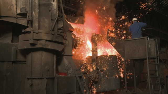 ws zi inductive heating furnace at foundry / juenkerath, rhineland-palatinate, germany - furnace stock videos & royalty-free footage