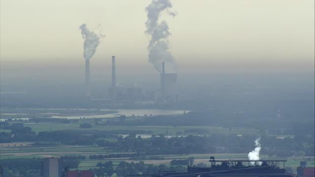 aerial industrial area, duisburg, north rhine-westphalia, germany - ルール渓谷点の映像素材/bロール