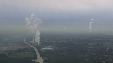 vidéos et rushes de aerial industrial area, ruhr, north rhine-westphalia, germany - ruhr