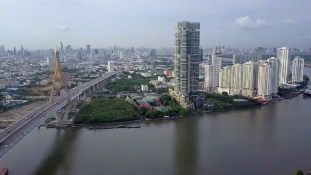 vídeos de stock e filmes b-roll de industrial ring road bhumibol bridge. - rio chao phraya