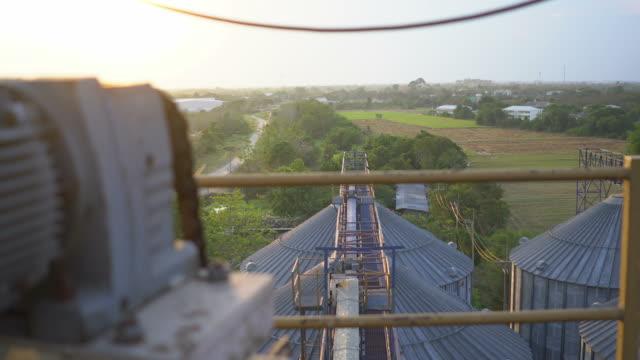 stockvideo's en b-roll-footage met industriële silo - initiatief