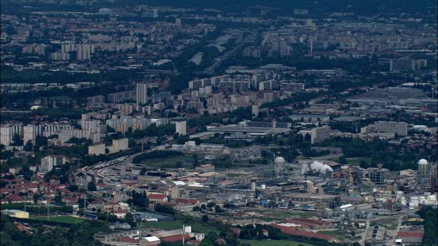 vidéos et rushes de des sites industriels sud de grenoble-vue aérienne-rhône-alpes, isère, france - banlieue pavillonnaire
