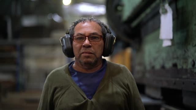 industrial worker portrait - real people stock videos & royalty-free footage