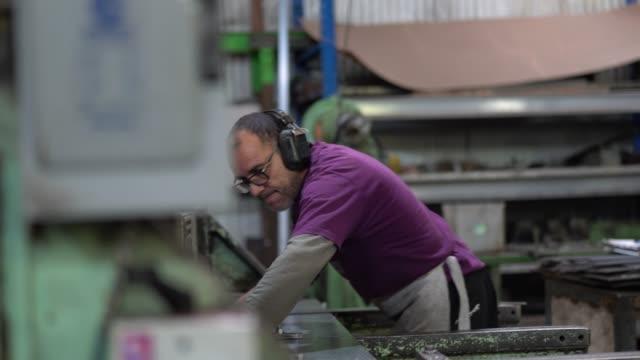 industrial worker working at metallurgy - metallurgy stock videos & royalty-free footage